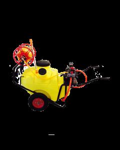 Carretilla 100 L far-20 motor eléctrico con pistola y carrete manguera, ideal para realizar pulverización en cualquier área debido a su capacidad y dimensiones.